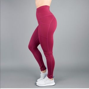 BuffBunny Luna Leggings in Merlot w/ Pockets